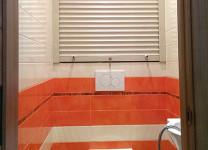 Рольставни в туалет с ручным управлением