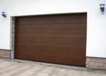 Секционные ворота для гаража с электроприводом