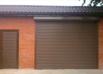 Утепленные рулонные ворота для гаража