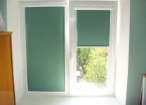Тканевые рулонные жалюзи на пластиковые окна