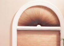 Жалюзи плиссе на окна с аркой - фото