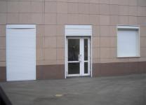 Защитные ролеты на двери
