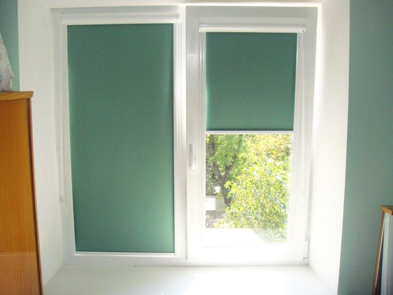 Шторки на пластиковые окна