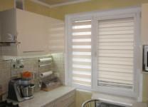 Кассетные шторы День-Ночь на кухне