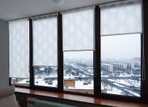 МИНИ рулонные шторы на балконе - фото
